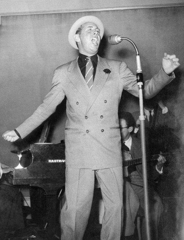 Charles Trenet dans les années 40.