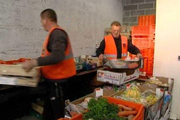 Pour compenser la baisse de moyens et la hausse du nombre de bénéficiaires, la Banque alimentaire de la Manche cherche des bras
