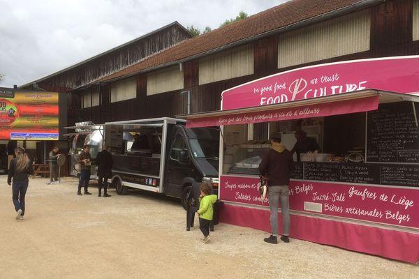 La seconde édition du Food Trucks Festival a lieu ce week-end à Poitiers.