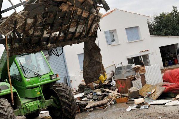 Une maison de Charron (17) détruite aprtès le passage de la tempête Xynthia.