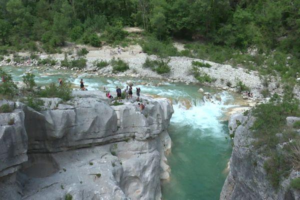 L'Estéron  est l'une de 28 rivières sauvages de France.