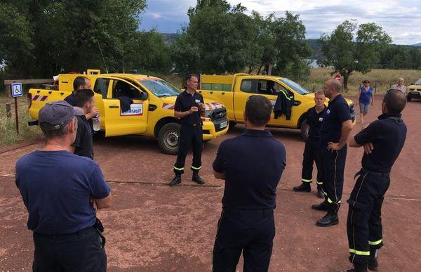 Après l'intervention, le débriefing des formateurs avec les patrouilles des forestiers sapeurs du département de l'Hérault.