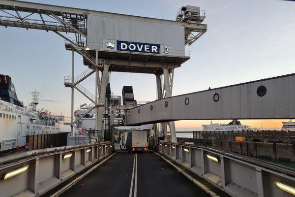 Sébastien quitte Douvres le 25 décembre en milieu d'après-midi.