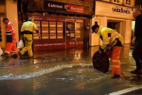 Les services de la ville de Morlaix en action après les inondations de ce dimanche 3 juin