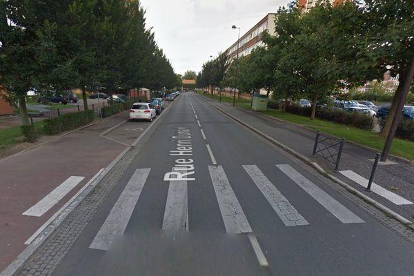 Vue de la rue Henri Dunant à Roubaix.