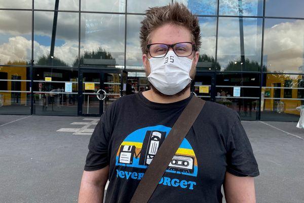 Monteur vidéo et youtubeur, Arnaud Klein aimerait bien se faire remarquer par les boîtes de production ou chaînes de télévision grâce à ce défi.