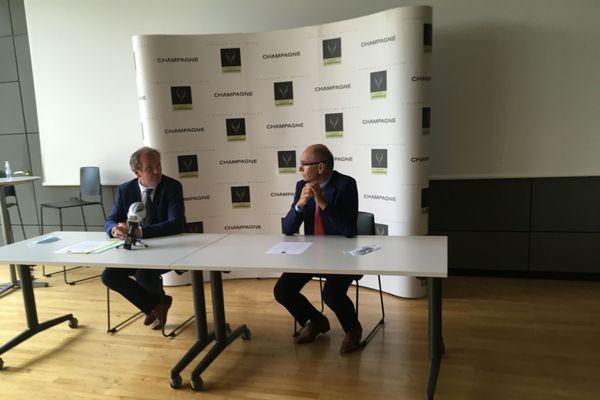 Jean-Marie Barillère, président desMaisons de Champagneet Maxime Toubart, président duSyndicat général des vignerons lors de la conférence de presse du 18 août 2020