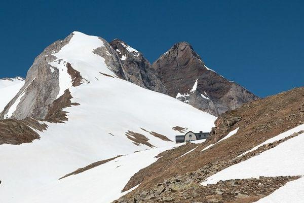 Le refuge de Bayssellance est l'un des plus hauts refuges des Pyrénées françaises (2651m d'altitude)