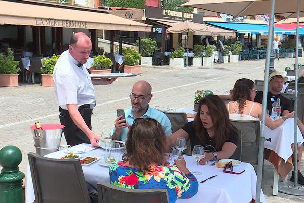 La majorité des clients des restaurants restent des Européens et surtout des Français.