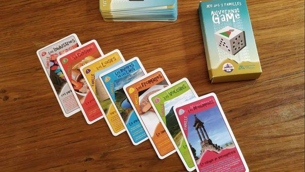 Les élèves ont conçu 7 familles de 6 cartes chacune.
