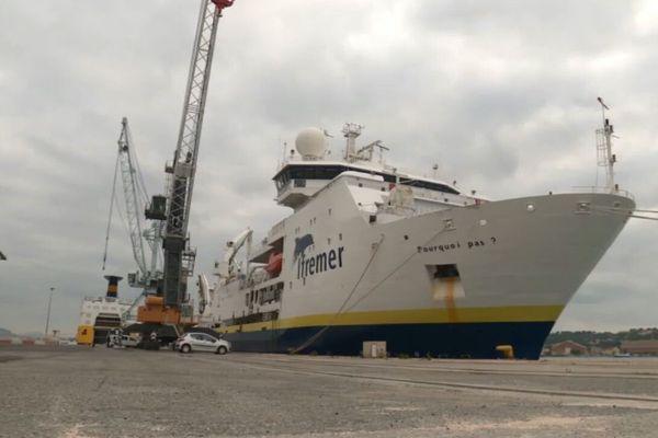"""Le """"Pourquoi pas?"""" a amarré ce matin à la Seyne-sur-mer, les scientifiques sont rentrés après huit jours d'expédition."""