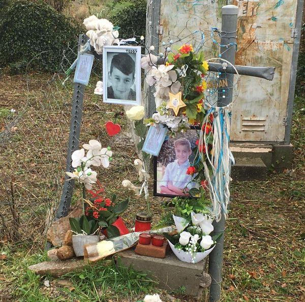 """Près du """"PN25"""", une installation en hommage aux jeunes victimes"""