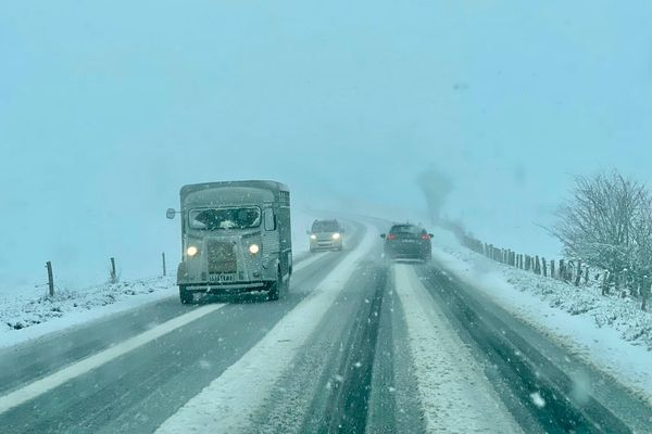 La neige rend les conditions de circulation délicates, notamment sur le Nord Aveyron.