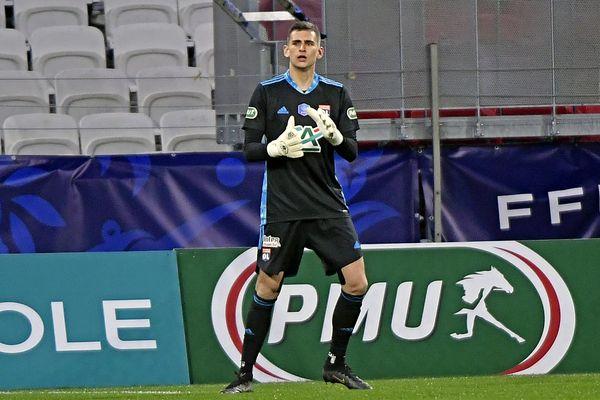 Julian Pollersbeck, ici face à Sochaux au tour précedent, sera titulaire dans les cages de l'OL face au Red Star