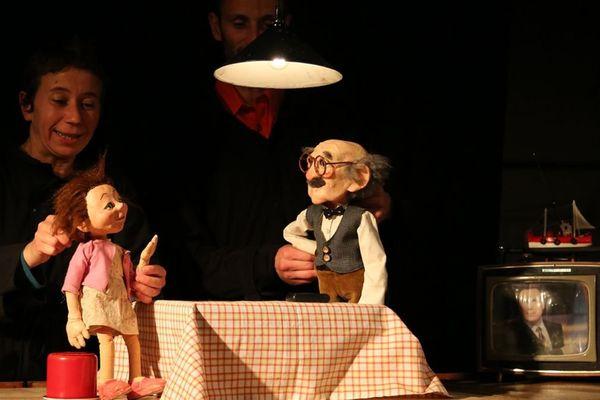 """Le spectacle """"sur la corde raide"""" de Mike Kenny et Martine Godard?"""