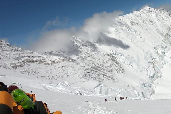 La Chine a fermé ses accès au mont Everest, selon des organisateurs d'expédition, à cause des risques de propagation du coronavirus Covid-19