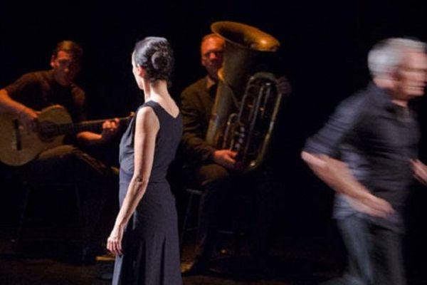 Cada Uno, deux danseurs, un guitariste de Flamenco et un jour de tuba...