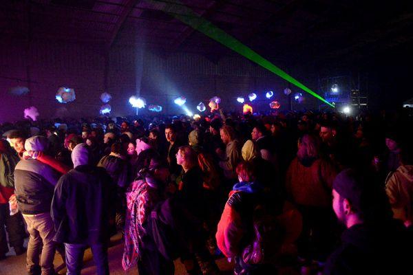 Le 31/12/2020, une rave sauvage organisée dans des hangars désaffectés à Lieuron (Ille-et-Vilaine)