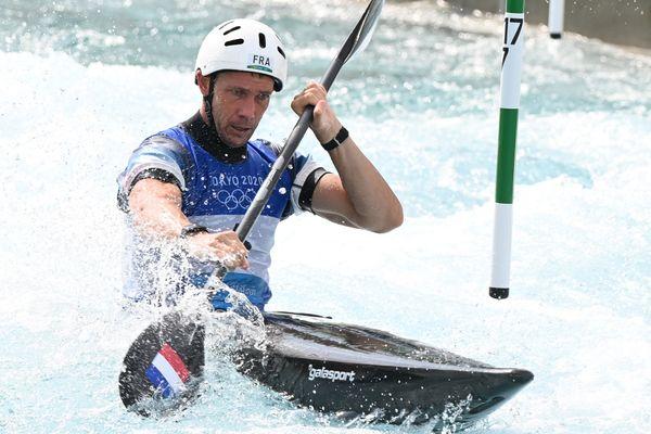 Boris Neveu lors de la demi-finale de Kayak slalom aux jeux olympiques de Tokyo, le 30 juillet 2021