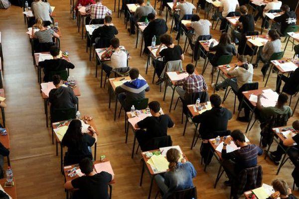 Si le baccalauréat 2021 compte 715 006 candidats, en 1809, lors de la première session du bac, ils n'étaient que 31.