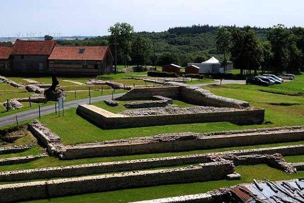 Site archéologique de Briga une cité gallo-romaine située sur un plateau dominant la vallée de la Bresle, sur l'actuelle commune d'Eu