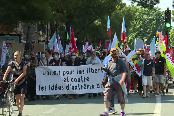 """De nombreux partis et syndicats se sont unis pour """"lutter contre les idées d'extrême droite"""""""