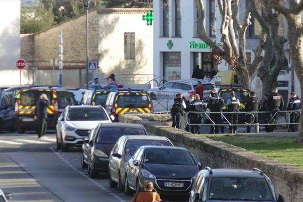 Cournonterral (Hérault) - les gendarmes s'invitent à la fête des Pailhasses - 17 février 2021.