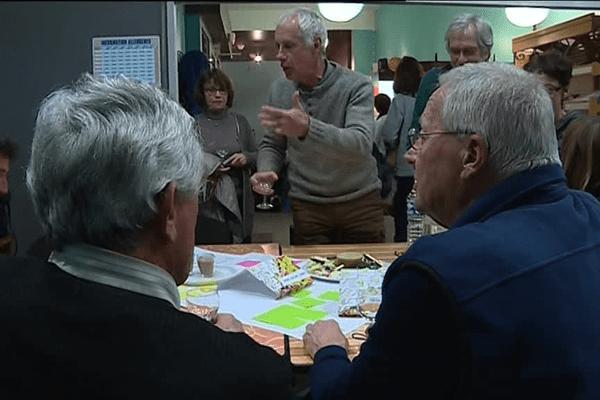 Atelier-débat à Saint-Julien-du-Serre