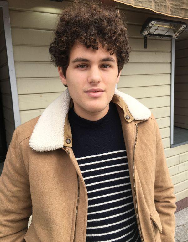 Hugo, 23 ans, en service civique dans une association