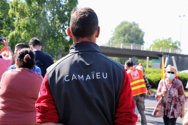 Des salariés inquiets s'étaient déjà rassemblés début juin devant le siège social de Camaïeu à Roubaix.