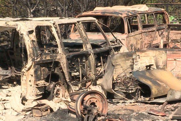 Pyrénées-Orientales - Véhicules brûlés dans l'incendie de Néfiach et Millas le 18 juillet 2021.