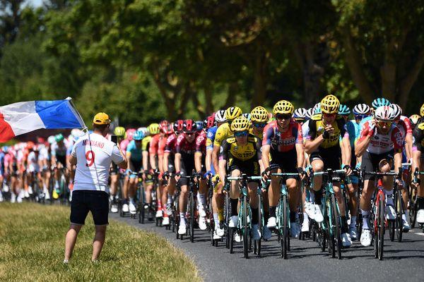 Lundi 15 juillet, le départ de la 10e étape du Tour de France sera donné depuis Saint-Flour dans le Cantal. Pour cette 106e édition, près de 176 coureurs prendront le départ de cette étape Saint-Flour Albi.