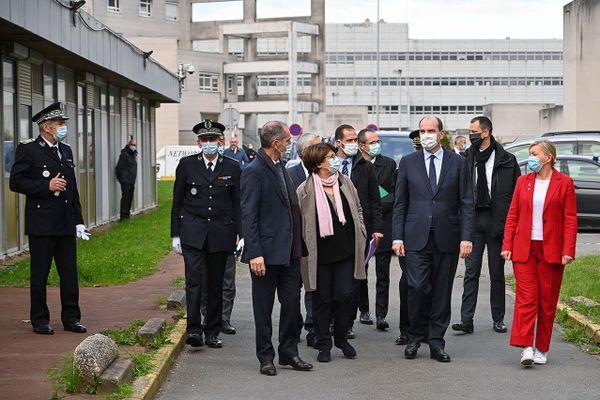 Jean Castex est arrivé ce vendredi matin au CHU de Lille, où l'attendait la maire de Lille Martine Aubry.