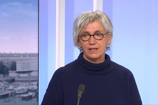 Astrid Vabret, cheffe du service de virologie au CHU de Caen, a été nommée à la liste des bénéficiaires de la Légion d'honneur, le 1er janvier 2021.