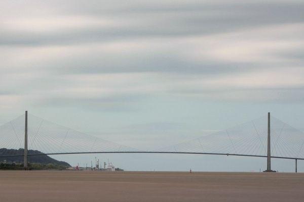 Des restrictions de circulation ont été prises sur le pont de Normandie.