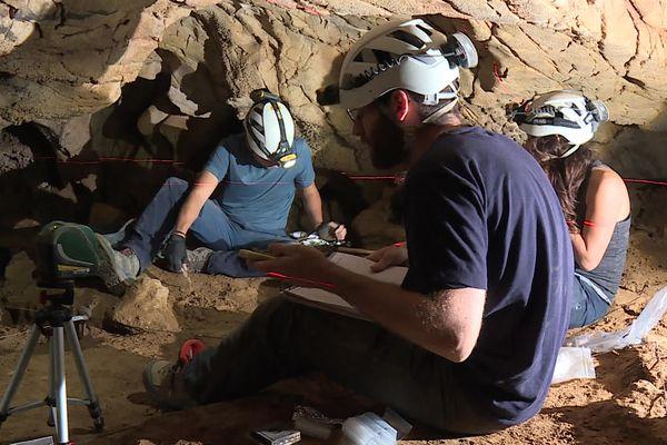 Corneilla-de-Conflent (Pyrénées-Orientales) - Les chercheurs ont découvert un véritable gisement d'os d'animaux - octobre 2021.