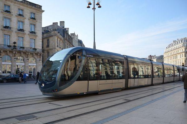 Le tram de Bordeaux a révolutionné les transports publics.
