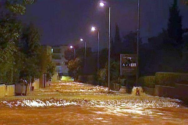 Montpellier - les rues du nord de la ville transformé en torrent - 6 octobre 2014.