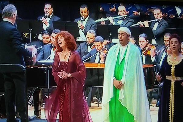 L'Ave Maria de Caccini joué avec l'Orchestre et les chœurs du Philharmonique du Maroc et avec trois chanteurs de trois confessions religieuses différentes, chrétienne, musulmane et juive