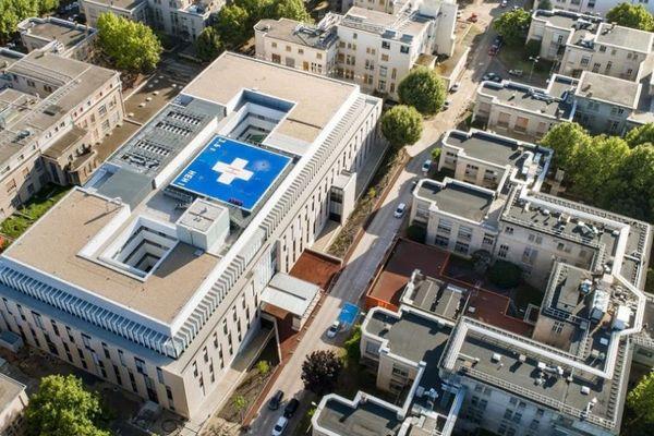 Vue de l'hôpital Edouard Herriot, établissement des Hospices Civils de Lyon