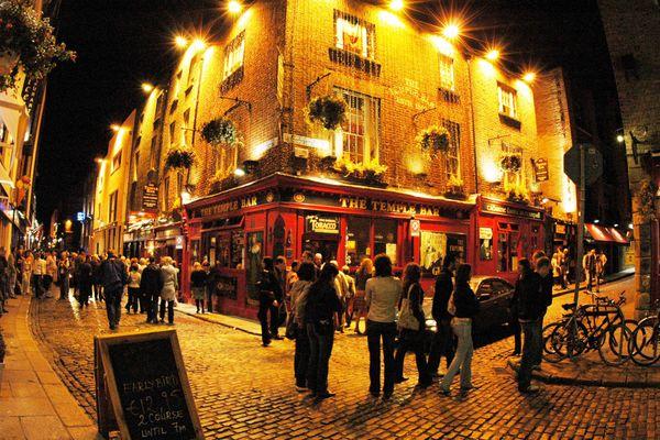 Les pubs en Irlande pourront à nouveau servir des clients en juin.