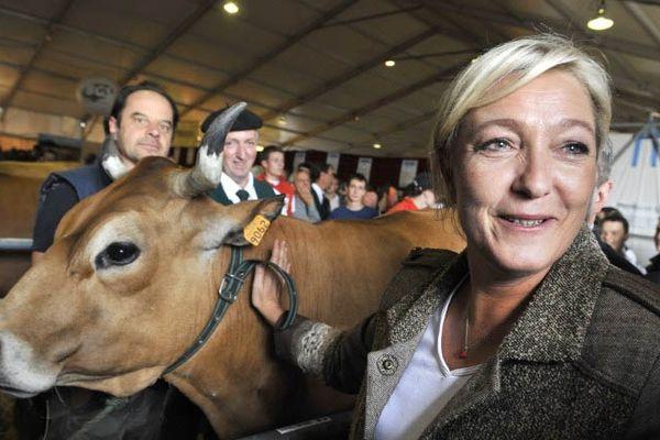 Marine Le Pen, lors d'un déplacement dans le Centre de la France, le 4 octobre 2012