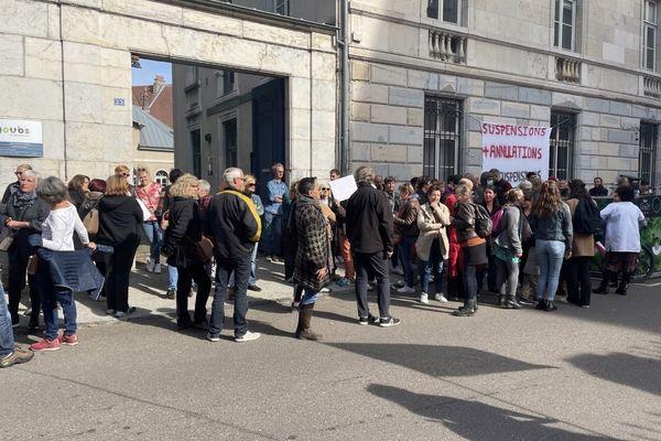 Manifestation contre l'obligation vaccinale des soignants, lundi 11 octobre 2021, devant le Tribunal administratif de Besançon