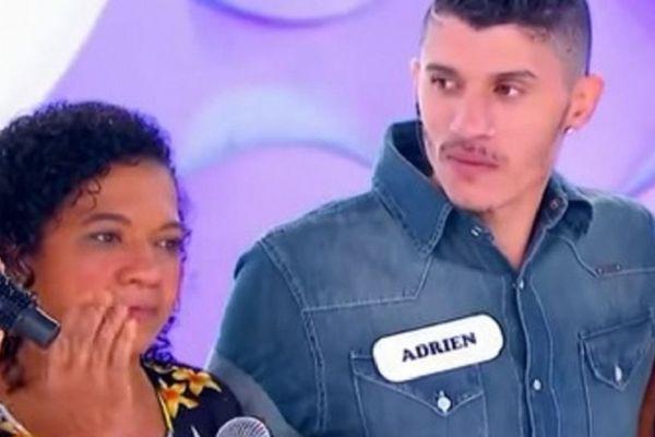 """Adrien et sa mère biologique. Capture d'écran de l'émission de télévision brésilienne """"Reencontro"""" (Retrouvailles)"""