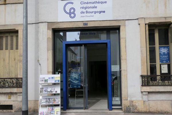 La cinémathèque Jean Douchet emménage au 27 rue Parmentier, à Dijon.