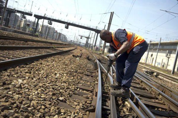 """Le réseau des voies ferrées de la région Paca comporterait des """"risques de déraillement et de collision""""."""