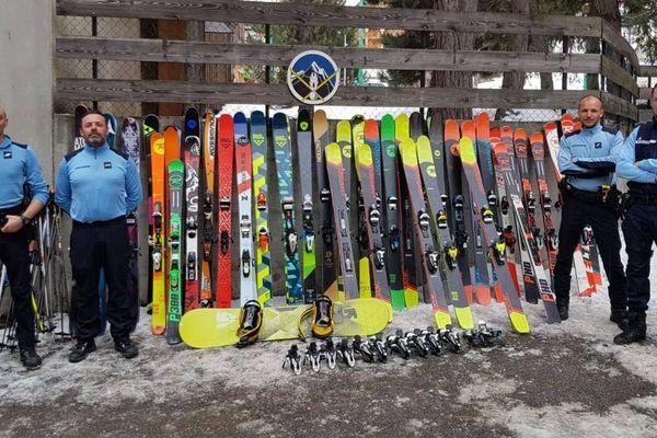 Une quarantaine de skis volés ont été retrouvés.