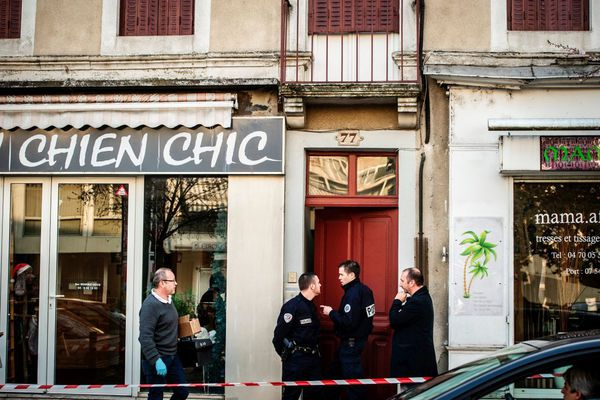 Trois ans et demi après le meurtre de 3 personnes âgées et le viol d'une jeune femme à Montluçon dans l'Allier, un nouveau procès en appel s'ouvre à Riom dans le Puy-de-Dôme, à compter du mardi 20 octobre.