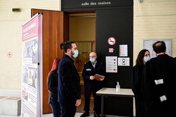L'ancien skinhead Esteban Morillo à son arrivée au tribunal d'Evry pour le procès en appel de la mort de Clément Méric.