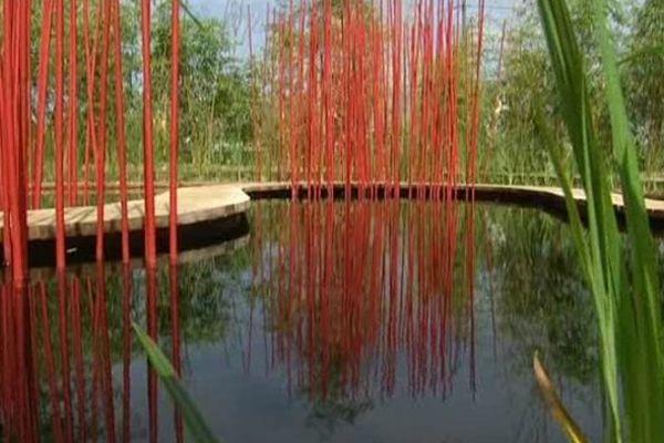 Au domaine de Chaumont sur Loire, des jardins d'artistes sur le thème de l'eau, souvent d'inspiration asiatique